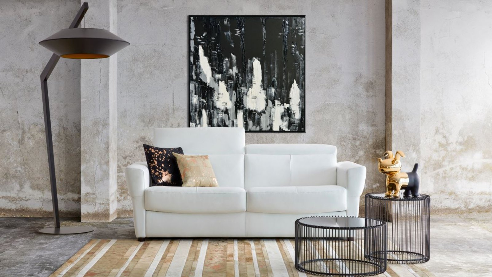 {{ produ\ 																									  ct.product_name }}